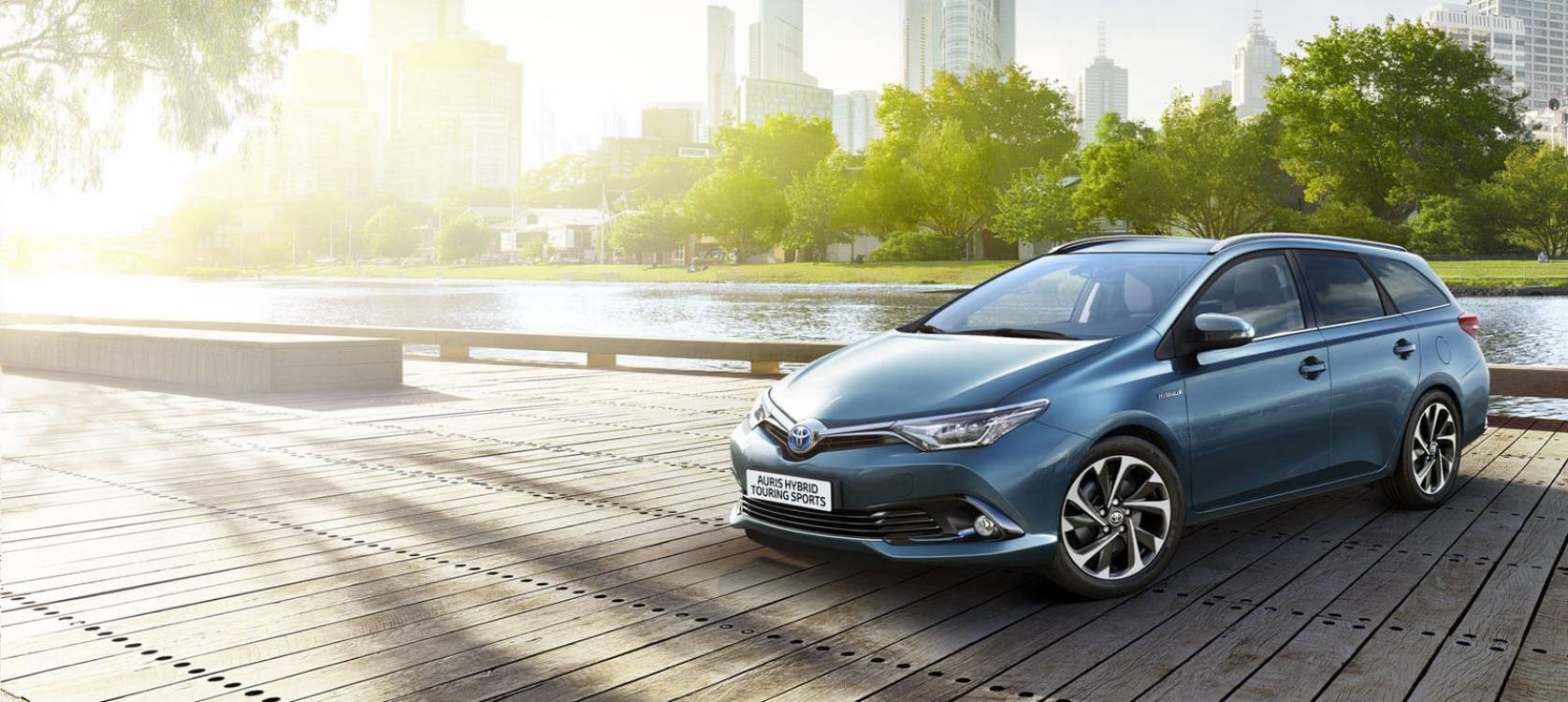 auris hybrid touring sports models features howards toyota. Black Bedroom Furniture Sets. Home Design Ideas